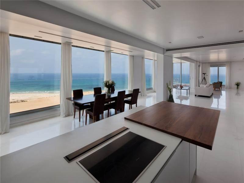 Квартира в Нетании с панорамным видом на море