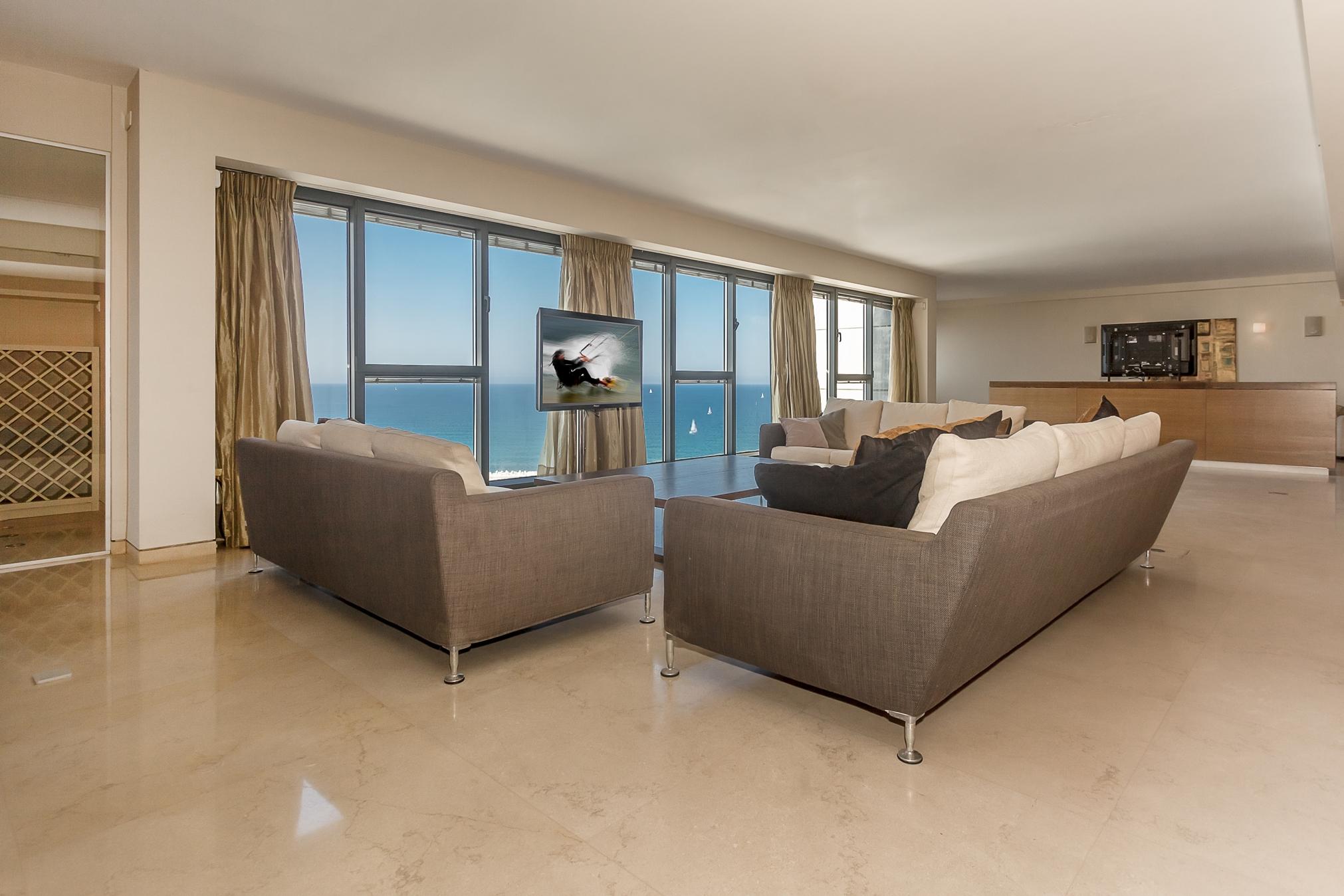 Квартира на средиземном море купить дом в бильбао дубай купить