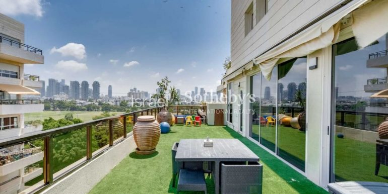 Элегантный пентхаус на Севере Тель-Авива купить